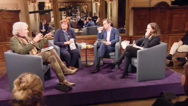 Literarisches Quartett: Christine, Volker, Thea und Thomas