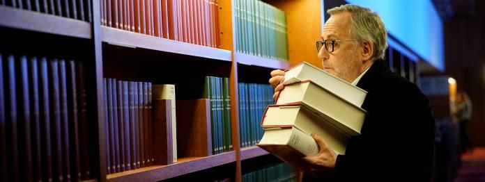 Recherche ist alles: Jean-Michel Rouche (Fabrice Luchini) in der Bibliothek.