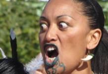 Nicht Barbara Fellgiebel, sondern eine Maori-Tänzerin auf der Buchmesse