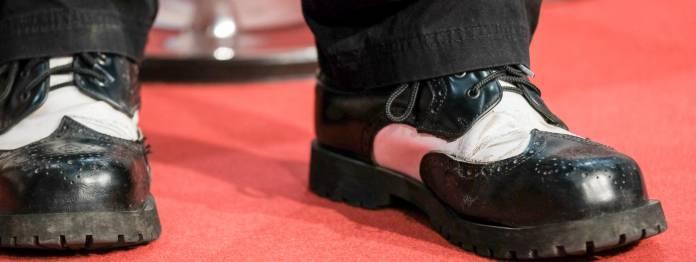Die im Gespräch erwähnten Schuhe des Autors (Foto: Birgit-Cathrin Duval)