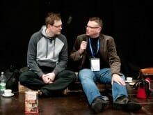 Ein Ambiente wie bei »Druckfrisch«: Martin von Arndt im Gespräch mit Wolfgang Tischer (Foto: Birgit-Cathrin Duval)
