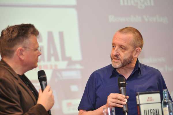 Illegal: Krimi-Autor Max Annas im Gespräch