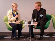 Irene Pakuscher vom Justizministerium und Matthias Spielkamp von iRights
