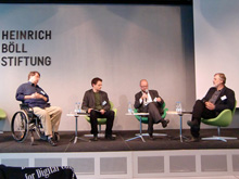 Panel 2 mit (v.l.) Peter Glaser, Florian Cramer, Moderator Jan Engelmann und Wolfgang Schimmel (ver.di/VG Wort)