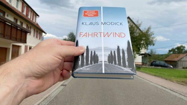 Der Roman »Fahrtwind« von Klaus Modick