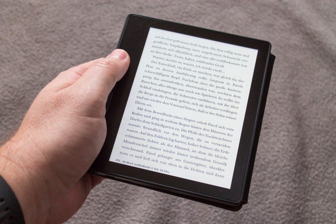 Kindle Oasis im ausführlichen Test - Lohnt der Kauf des coolen Luxus-Readers?