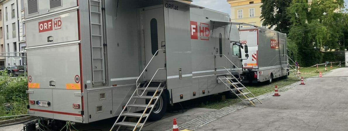 Die Technik hinter dem Preis: ORF-Übertragungswagen beim Studio in Klagenfurt