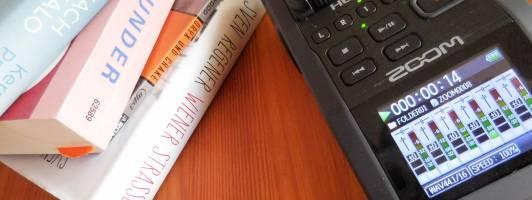Der Podcast des literaturcafe.de: Bücher und Aufnahmegerät