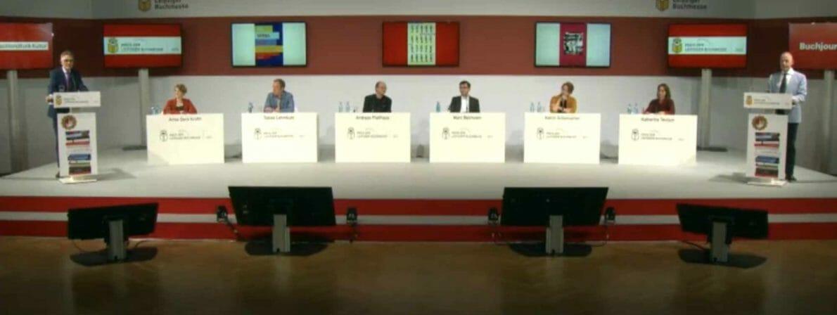 Preisverleihung oder FDP-Parteitag: Der Bühnenaufbau beim Preis der Leipziger Buchmesse 2021 (Screenshot Livestream)