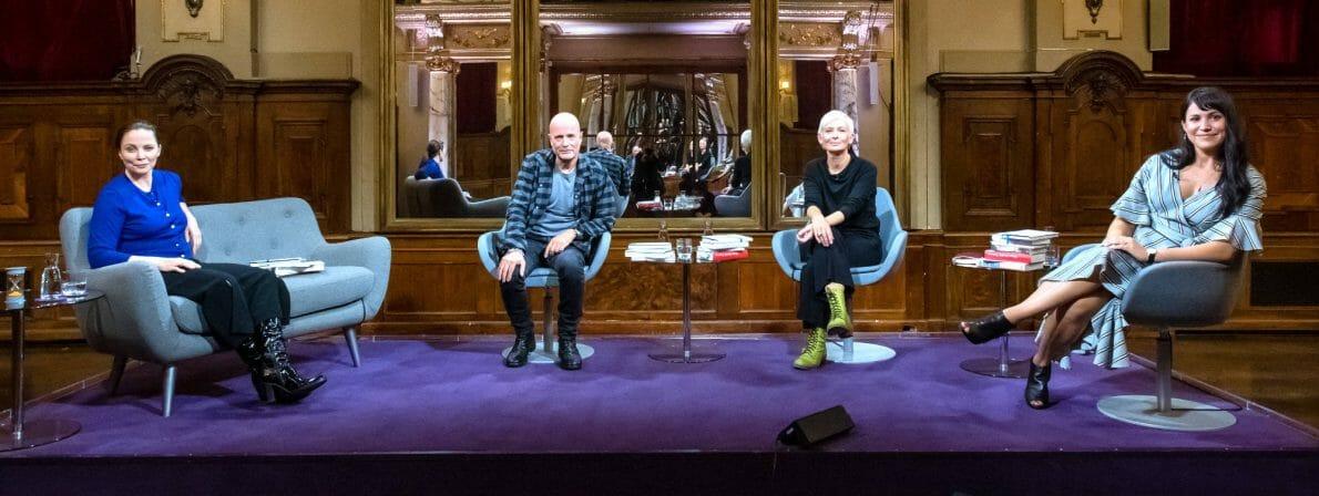 Das Literarische Quartett vom 28.08.2020. Von links nach rechts: Thea Dorn, Christian Berkel, Dörte Hansen und Vea Kaiser (Foto: ZDF/Svea Pietschmann)