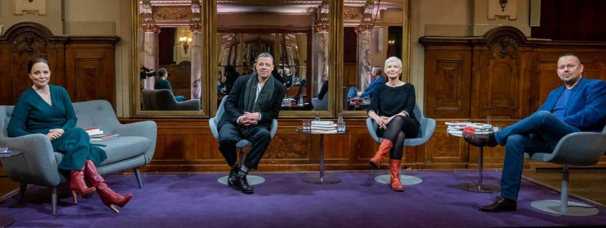 Das Literarische Quartett vom 09.04.2021 und von links nach rechts: Thea Dorn, Moritz von Uslar, Dörte Hansen und Marko Martin (Foto: ZDF/Svea Pietschmann)