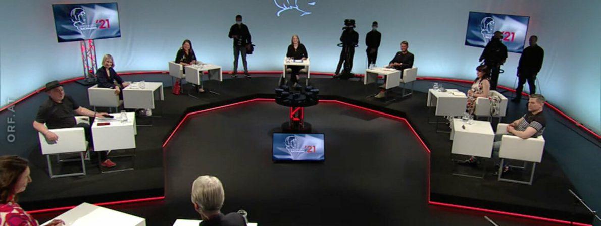 Der Studio-Aufbau des Jahres 2021. Der Kamerakreisel in der Mitte hat stets alle 7 Jury-Mitglieder im Blick. (Foto: Screenshot)