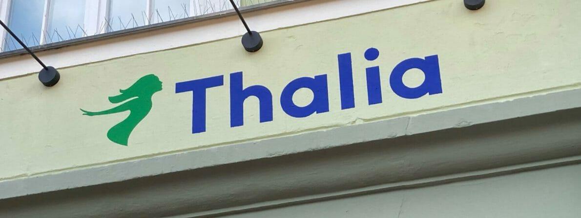Thalia-Logo über dem Eingang einer Niederlassung der Buchhandelskette