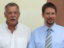 Der VS-Vorsitzende Imre Török (links) und Gelnhausens Bürgermeister Thorsten Stolz