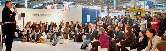 Wolfgang Tischer bei seinem Vortrag auf der Leipziger Buchmesse 2012 (Foto: Birgit-Cathrin Duval)