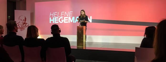 Helene Hegemann hält die Laudatio auf Virginie Despentes