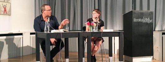 Der Journalist und Buchautor Arno Frank stellte seinen Roman »So, und jetzt kommst du« vor (Foto: Tischer)