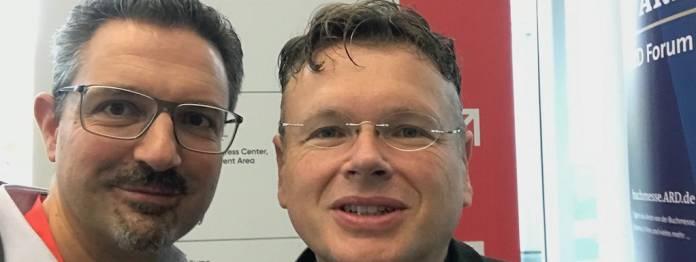 Klassentreffen: Der Autor dieses Beitrags, Günther Wildner (links), und Wolfgang Tischer vom literaturcafe.de