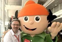 Literaturagent Günther Wildner (links) mit Berti (rechts)