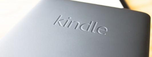 Traurig: Die erste Kindle-Generation, die auf dem Rücken den Schriftzug »Kindle« trägt, erhält leider kein Update.