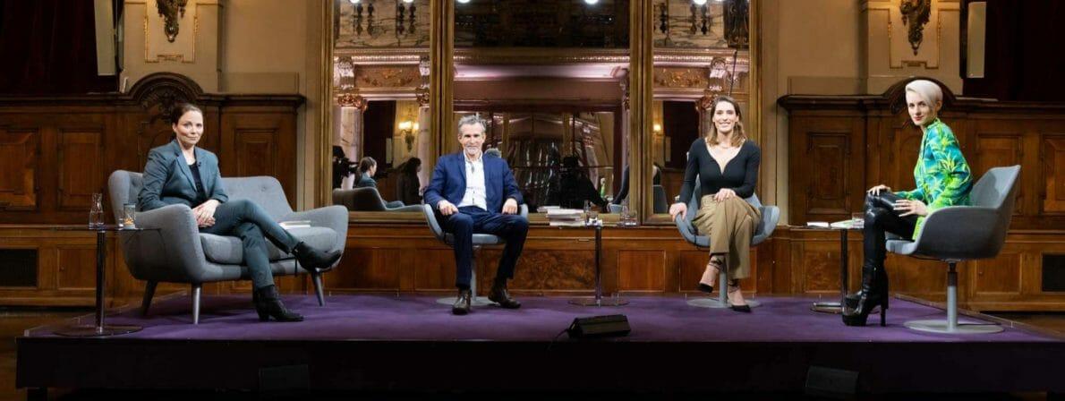 Die Besetzung des Literarischen Quartetts vom 04.12.2020: Thea Dorn, Ulrich Matthes, Andrea Petkovic und Lisa Eckhart. (Foto: ZDF/Jule Roehr)